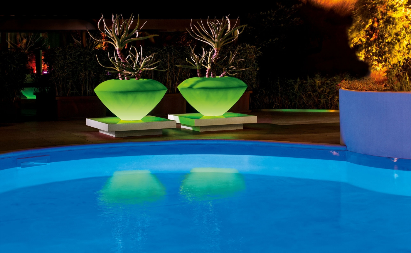 LED Lighted Outdoor Vases & Lanterns