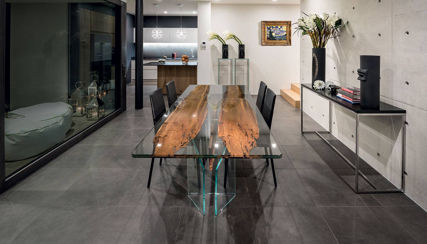 Venezia Table | Residential Project